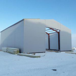 Холодный склад из конструкции с балкой переменного сечения